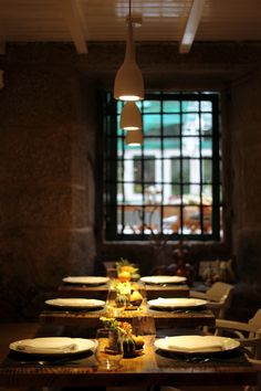A horta do obradoiro Spain, Table Decorations, Furniture, Home Decor, Vegetable Garden, Santiago De Compostela, Restaurants, Decoration Home, Room Decor