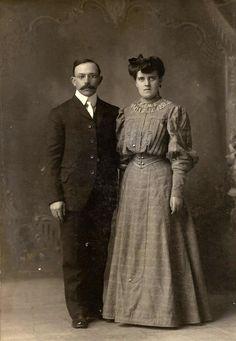 1890's newlyweds Vintage Wedding Photos, Vintage Weddings, Colored Wedding Dress, Wedding Dresses, Wedding Couples, Wedding Day, Newlyweds, Brides, Bride Dresses