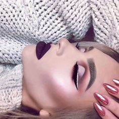 We are completely enamored with this makeup look @giagiamariewaits wearing Wine Down liquid lipstick. Grab em' for $12 each when you use code Hydra12 Stock up #GCSQUAD