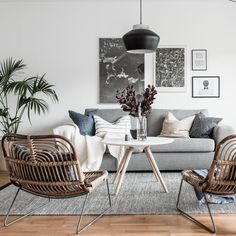 Scandinavian living room - white with gray and natural material elements - Scandinavian Home Decor - Narrow Living Room, Living Room White, Living Room Decor, Comedor Office, Living Room Scandinavian, Home Staging, Living Comedor, Small Apartment Decorating, Living Room Inspiration