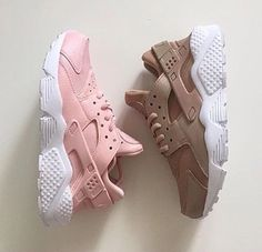 nike nike sneakers huarache pastel sneakers nude sneakers pink sneakers shoes nike shoes low top sneakers sneakers girl girly wishlist pink brown nike air girly nike air huaraches pastel sportswear pale tumblr brown nike light pink nike huarches
