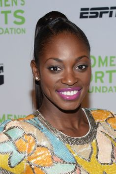 Sloane Stephens Photos - Professional tennis player Sloane Stephens attends the Annual Salute To Women In Sports Gala at Cipriani Wall Street on October 2012 in New York City. - Annual Salute To Women In Sports - Arrivals American Tennis Players, Sloane Stephens, Professional Tennis Players, Ana Ivanovic, Tennis Stars, Brunette Woman, Ebony Girls, Athletic Women, Beautiful Black Women