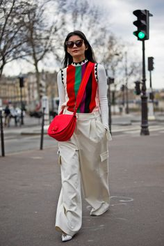 Over 500 Street Style Looks From Paris Fashion Week - Man Repeller Asian Street Style, Street Style Looks, Street Chic, Street Style Women, Paris Outfits, Sophisticated Outfits, Layering Outfits, Paris Fashion, Everyday Fashion