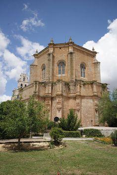 Exterior de la cabecera de la iglesia del monasterio de La Vid