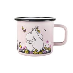 Gorgeous pink Moomin enamel mug by Finnish company Muurla. Bringing to life the adventures of the delightful Moomin's by Tove Jansson. Suitable for young and old! Dishwasher safe - not suitable for the microwave. Les Moomins, Moomin Mugs, Tove Jansson, Scandinavian Design, Cute Gifts, Enamel, Tableware, Pink, Troll