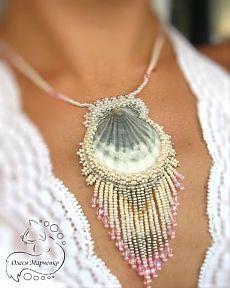 "Pendant shells ""Memories of the Sea"" by Olesya Marchenko. - Pendant shells ""Memories of the Sea"" by Olesya Marchenko. L … – # Pendants Shells - Seashell Jewelry, Seashell Crafts, Beaded Jewelry, Handmade Jewelry, Beach Crafts, Kumihimo Bracelet, Bijoux Diy, Shell Pendant, Shell Necklaces"