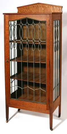 shop of the crafters cincinnati | CINCINNATI SHOP OF THE CRAFTERS CHINA CABINET #376 With leaded glass ...