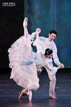 Tamara Rojo and Federico Bonelli; love how the skirt cascades and flows!