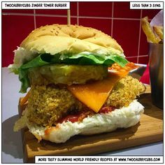 This Slimming World version of KFC's zinger tower burger includes breaded chicke. - This Slimming World version of KFC's zinger tower burger includes breaded chicken, lettuce, salsa - Slimming World Fakeaway, Slimming World Dinners, Slimming World Syns, Slimming World Recipes, Slimming Word, Chicken Zinger, Healthy Eating Recipes, Cooking Recipes, Healthy Meals