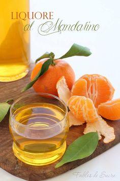 Liquore al mandarino Italian Drinks, Italian Recipes, Limoncello, Moscato Sangria, Homemade Liquor, Tea Cocktails, Beautiful Fruits, Cheesecake Desserts, Liqueur