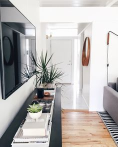 I'd like to a living room like this // minimal home decor goals inspiration and ideas