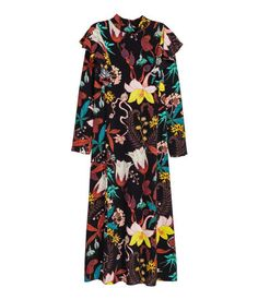 Black floral. Calf-length, straight-cut dress in woven, crêped viscose with a printed pattern and a small stand-up collar. Ruffles at top, opening at back