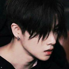 Part of me wants him to go back to black hair but the other part of me hopes it never happens because I know my bias list will be shattered immediately lmao Kim Jinhwan, Hanbin, Bobby, Ikon Kpop, Korean Boys Ulzzang, Gray Aesthetic, Ikon Debut, Best Kpop, Fandom