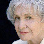 Alice Munro, escritora canadiense ganadora del Premio Nobel de Literatura 2013, no viajará a Estocolmo para recoger el premio por problemas de salud