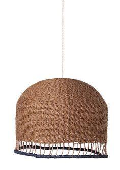 Lampenkap Braided Rose van ferm LIVING  shop je online bij DEENS.NL. De lampenkamp is gemaakt van handgevlochten papier wat hem tot een duurzaam ontwerp maakt.