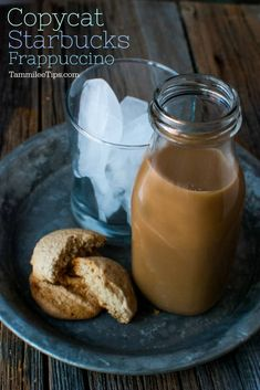 Copy Cat Starbucks Frappuccino - Tammilee Tips Save money by making this easy homemade Copy Cat Starbucks Frappuccino Recipe at home! So easy to make and a great copycat coffee drink and sweet treat! Starbucks Frappuccino Recipe At Home, Starbucks Drinks, Entree Recipes, Cooking Recipes, Easy Recipes, Coffee Gifts, Coffee Coffee, Coffee Drinks, Coffee Creamer