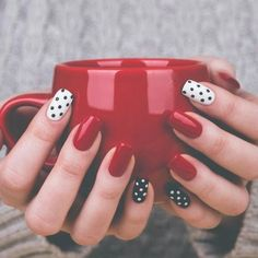 The winter season is perfect to be creative with winter nail art designs. While many of us love the coziness of staying in on a cold winter's night, that doesn't mean to leave your nails behind! If you are going to change your manicure when you are free at home, you can look at the …