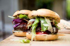 Jeden burger nikdy nie je dosť. Máte radšej kupenské alebo vlastné?