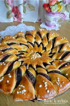 Barbi konyhája: Kakaós napraforgó My Recipes, Cookie Recipes, Dessert Recipes, Favorite Recipes, Hungarian Desserts, Hungarian Recipes, Puff Pastry Desserts, Christmas Sweets, Sweet Bread