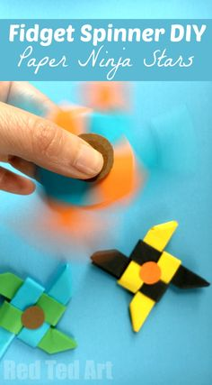 Ninja Fidget Spinner DIY - Paper Only, NO TEMPLATE Needed. The fun with Fidget Spinner DIY continues. Don't have time to print off a template? Today we have an Origami Fidget Spinner DIY for you. it is BASED on the Origami Ninja Star. Summer Crafts, Fun Crafts, Crafts For Kids, Recycled Crafts Kids, Diy With Kids, Art For Kids, Origami Fidget Spinner, Fidget Spinners, Paper Spinners