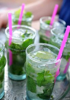 Mint Julep: 10 mint leaves, plus a sprig for garnish 1 teaspoons superfine sugar [muddled] Seltzer water Crushed ice 2 ounces Kentucky bourbon whiskey Summer Drinks, Fun Drinks, Healthy Drinks, Beverages, Tea Cocktails, Summer Snacks, Summer Parties, Healthy Eating, Alcohol Recipes