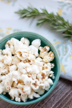 """""""Popcorn has more antioxidants in total than other snack foods that you can consume, and it also has quite a bit of fiber."""" http://news.health.com/2012/03/25/popcorn-antioxidants/"""