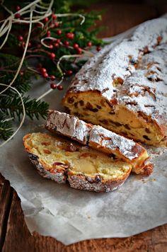 Christmas Treats, Christmas Baking, Stollen Recipe, Homemade Pita Bread, Christmas Photography, Food Photography, Autumn Photography, Banana Bread, Tart