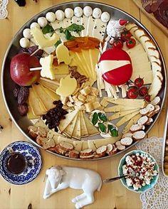土耳其的起司拼盤Çeşitli peynirler。 ©gezigunluk