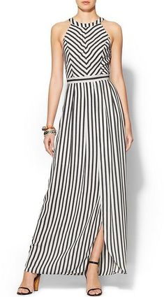 Black and white striped maxi dress with halter neckline Casual Wear, Casual Dresses, Casual Outfits, Fashion Dresses, Summer Dresses, Sewing Dress, Striped Dress, Dress Black, Dress Skirt