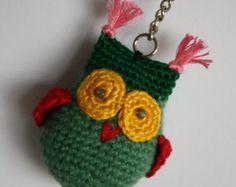 Llavero buho de crochet