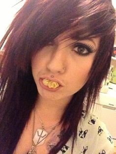 Leda Muir. #LedaMonsterBunny #red #dyed #scene #hair #pretty (nice pasta Leda!) lol :)