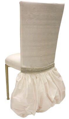 Dupioni Seda Blanco con falda Betty y banda de diamantes de imitación
