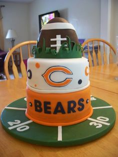 If you love this Chicago Bears Cake you will love tailgating with E3 VIP! - www.e3vip.com
