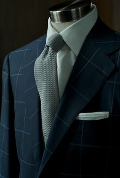 Grey Tie, Pocket square, men's fashion, man's fashion. boy, girl, man, gentleman, fashion for men, men's wear