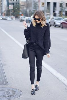 all black outfit MOMOCHROMATIC.COM #allblack #chunkyknit #gucci