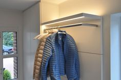 Garderoben, Möbel für Flure und Eingangsbereiche nach Maß Entry Hall, Very Well, Blanket, Bed, Pretty, Furniture, Home, Remodeling Ideas, Designs