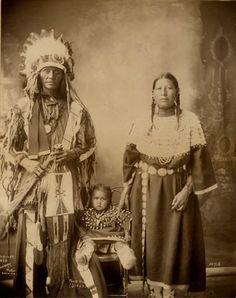 Poor Dog and family 1898 - Old Photos - Oglala   Sioux Research-Dakota, Lakota, Nakota