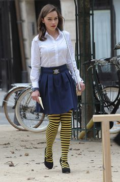 Me Before You costume Designer Jill Taylor talks building a quirky wardrobe for Lou (Emilia Clarke) based on whimsical shoes and eccentric clothing choice, and how to make a healthy man look more like a quadraplegic. Emilia Clarke, Bumble Bee Tights, Striped Tights, Mode Vintage, Brigitte Bardot, Isabelle, Clarks, Nylons, Cute Outfits