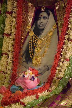 Shodashi Puja at Belur Math on Phalaharini Kalipuja tithi, 25 May 2017 Mother Kali, Divine Mother, Durga Ji, Saints Of India, Kali Goddess, Baby Krishna, Lord Murugan, Radhe Krishna, Gods And Goddesses