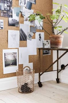 I'm currently starting with my small home office restyling. Here I'm listing some cool home office decorating ideas for an home office with style - ITALIANBARK Office Walls, Office Decor, Bedroom Office, Office Ideas, Interior Office, Interior Inspiration, Room Inspiration, Ideas Dormitorios, Cork Wall