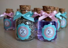 Birthday gift idea Diy Gifts, Great Gifts, Birthday Gifts, Birthday Ideas, Bottles And Jars, Party Planning, Birthdays, Christmas Gifts, Card Making