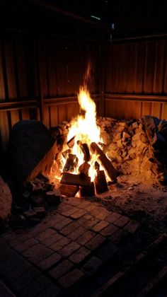 Warm up near with our open fires and weekly roast dinners! Roast Dinner, Holiday Park, Open Fires, Beautiful Landscapes, Dinners, Warm, Dinner Parties, Food Dinners, Diners