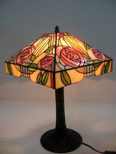 Art deco style stained glass TIFFANY LAMP – pastel colors tiffany lamp with pink roses- floral tiffany lamp