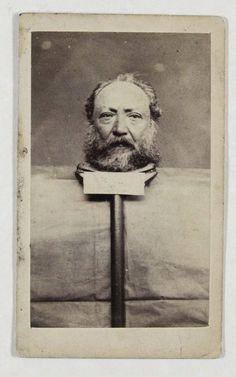 Lot 144 Constant A zema (1828-ap. 1867) Ma tête sur un plateau Saint-Denis de La Réunion, c. 1867 Albumine, carte de visite 105x63 mm, signée à l'encre au verso.