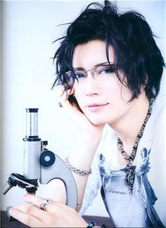 Gackt should totally play Morinaga in a live action tv show or movie of Koisuru/Tyrant.