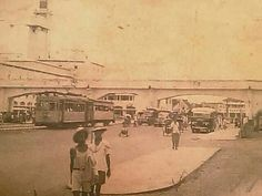 Pahlawan atau Pasar Besar 1950 an City Of Heroes, Dutch East Indies, Surabaya, Old Pictures, Wwii, Past, Street View, Museum, Culture