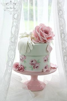 Leslea Matsis Cakes specializes in vintage style weddings cakes for the Invercargill region in South New Zealand. Vintage Birthday Cakes, Birthday Cakes For Women, Happy Birthday Cakes, 80th Birthday, Birthday Parties, Wedding Cake Prices, Wedding Cakes, Cupcakes, Cupcake Cakes