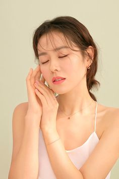 Son Ye Jin is a beauty in commercial photoshoot! Jung So Min, Very Pretty Girl, Pretty Face, Korean Star, Korean Girl, Korean Women, Korean Actresses, Korean Actors, Beautiful Girl Image