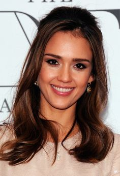 Medium length Half Up Half Down Hairstyle Here is an elegant casual half up half down hair style from Jessica Alba, she wore her hair half up with long face framing strands. This simple straight hair style is blow-waved smooth, then half pulled back and pinned to the head to form this sleek half up …