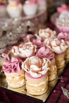 Beautiful Pink Rose and Floral Mini Naked Cakes Pretty Cakes, Beautiful Cakes, Amazing Cakes, Fancy Cakes, Mini Cakes, Tea Cakes, Tea Party Cakes, Cake Pops, Nake Cake